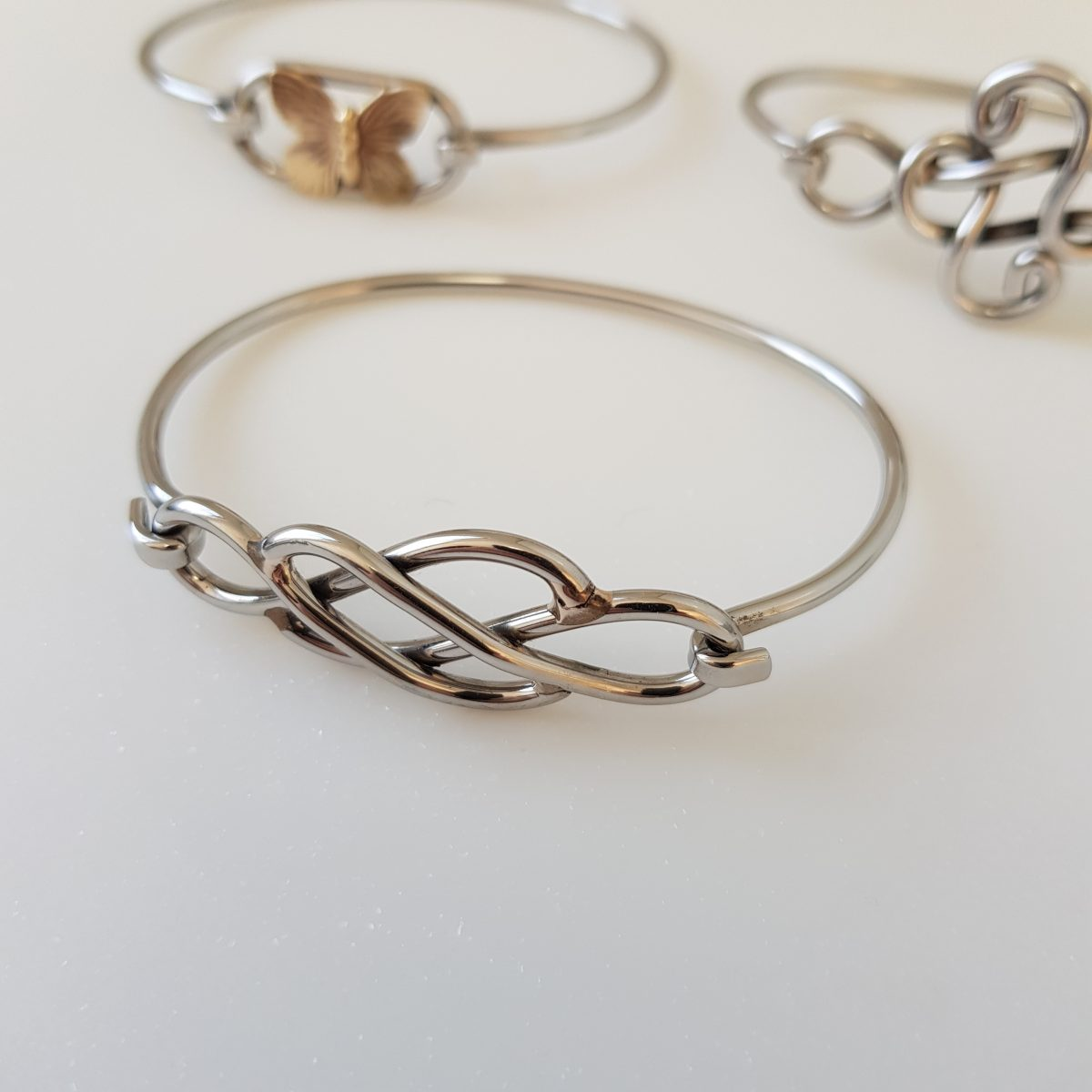 Celtic Jenni Love Knot Bangle (1)
